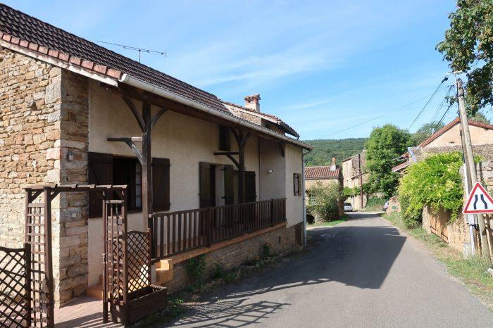 Maison ancienne Lournand 68 m² - 73 000 €
