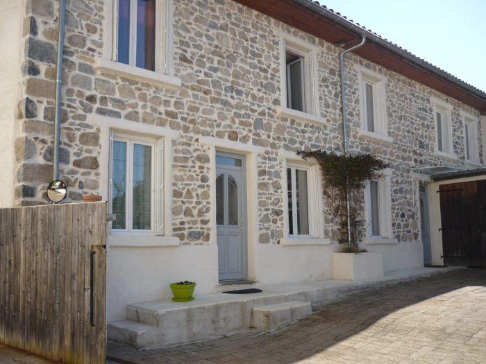 Maison ancienne Poule-lès-Écharmeaux 160 m² - 176 000 €