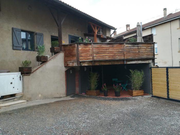 Maison en triplex à vendre à Saint-Étienne-des-Oullières