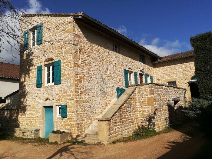 Maison en pierres apparentes à vendre à Mâcon