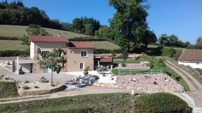 Villa avec dépendance à Curtil-sous-Buffières