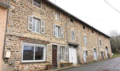 Maison ancienne en pierre avec dépendances à Deux-Grosnes - 100m² - 128 000 €