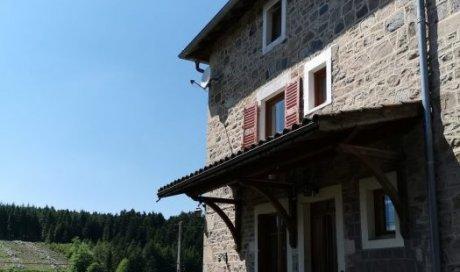 Maison en pierre avec vue à vendre