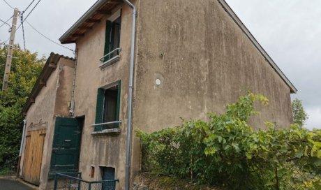 Maison ancienne à rénover à Deux-Grosnes - 64.00 m² - 25 000 €