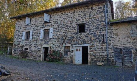 Maison ancienne en pierre à rénover à Saint-Didier-sur-Beaujeu - 240.00 m² - 70 000 €