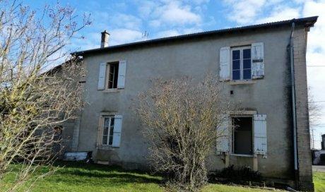 Maison ancienne à rénover à Saint-Etienne-sur-Reyssouze - 133 m² - 114 000 €