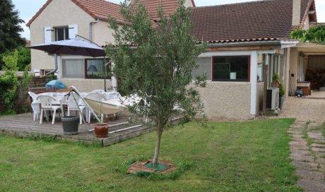 Maison mitoyenne 1 côté Salornay-sur-Guye 158 m² - 157 500 €