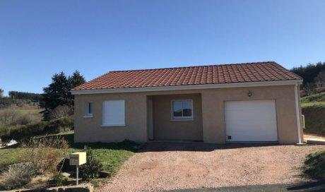 Maison plain-pied à Chiroubles - 80 m² - 220 000 €