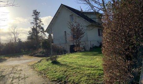 Maison familiale traditionnelle à vendre à Cluny